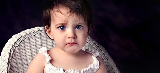 Sad-Little-Girl-by-Espen-Faugstad