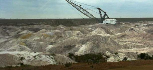 Agribusiness Destroys Soil, So Mines for Food